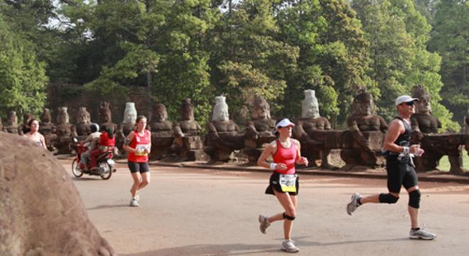 吴哥窟国际半程马拉松赛