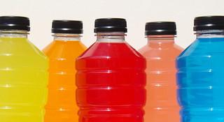 耐力运动员的饮食(九)训练比赛时的运动饮料补充问题