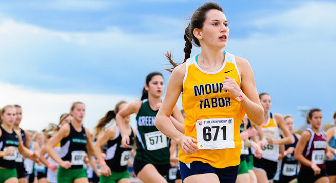 一个女孩与一场无法停止的奔跑!