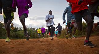 简陋到令人震惊!肯尼亚马拉松明星训练营探秘