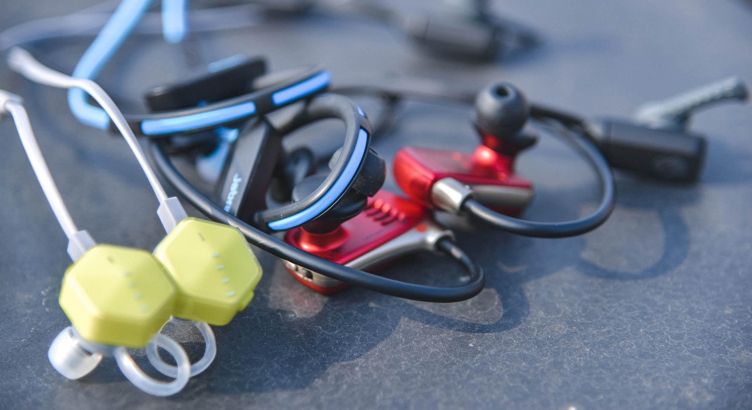 TopX | 你的耳朵还好么 五款运动耳机强势横评