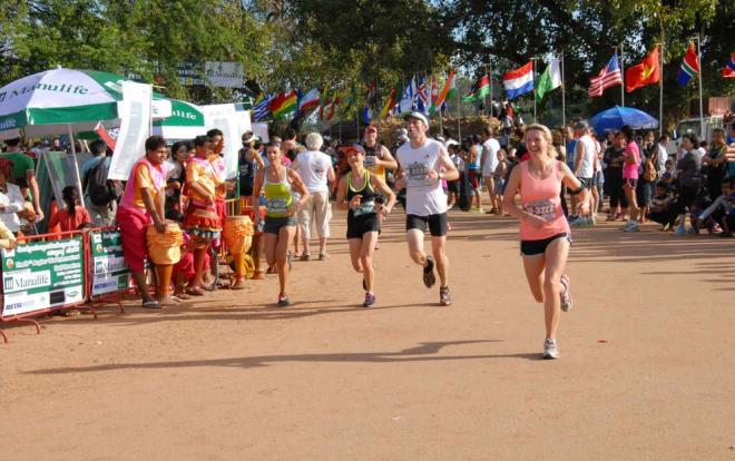 2016吴哥窟国际半程马拉松