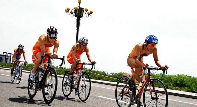 宁夏石嘴山全国铁人三项冠军杯赛