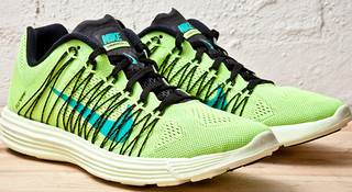 新品 | 179 克的灵魂 Nike LunaRacer+ 3 的脚下生风
