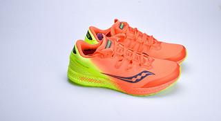 开箱 | Saucony Freedom ISO 一双拼材料的跑鞋