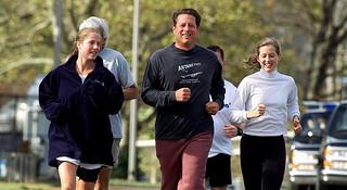 人物 | 跑马拉松的诺贝尔奖得主