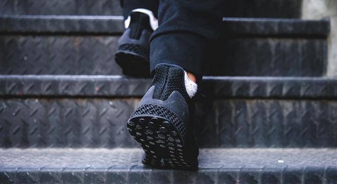 Weekly Gear    近看adidas 3D Runner 这双炒至3000美元的跑鞋