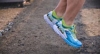 跑鞋 | HOKA ONE ONE Tracer 告别厚底 拥抱速度