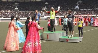 """""""太爽了!""""—平壤马拉松首个业余组冠军参赛感言视频"""