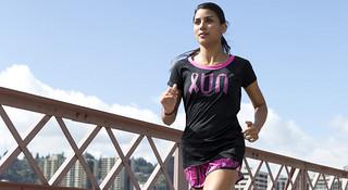 为慈善公益而跑—Adidas推出2014年 Pink  Ribbon粉红丝带系列跑步服装