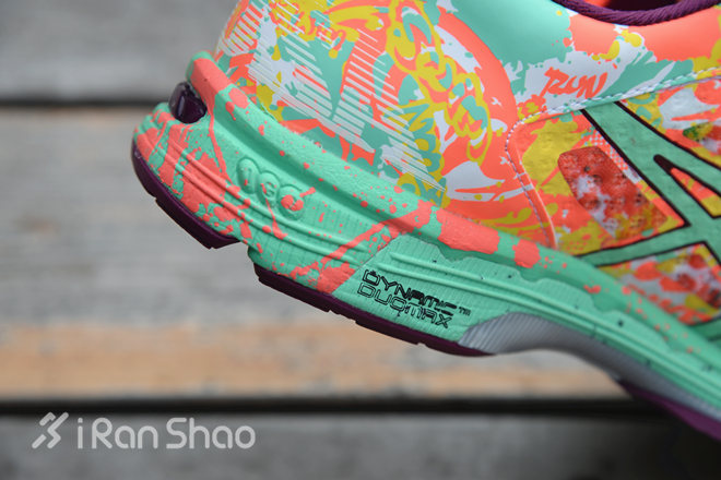 Asics Noosa Tri 11跑鞋
