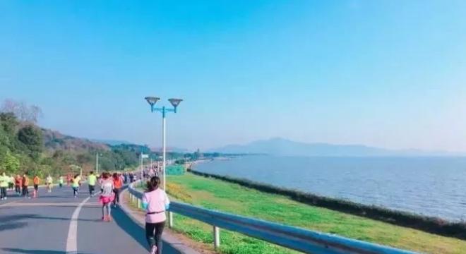 第三届弘阳杯2018无锡太湖国际女子半程马拉松暨女王跑•无锡站