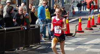 听起来并不那么悦耳,专业马拉松选手在比赛中如何应对如厕问题?