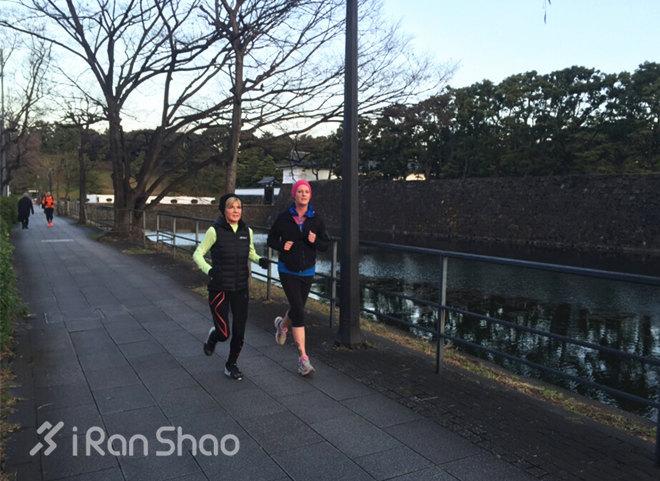 毕晓普在日本跑步1