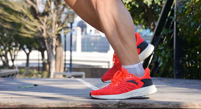 跑鞋 | 安踏A-FLASHFOAM跑鞋评测 一双足够让人满意的慢跑鞋