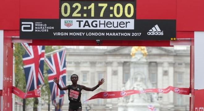 2017爱燃烧年终回顾 | 2017世界马拉松十大年度人物