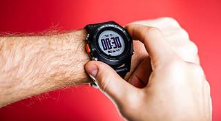 一周新鲜装备资讯 | 停产延期被收购 运动手表也不能好好过年