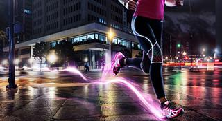 用脚步点亮城市  照亮这个夏夜的夜光跑鞋