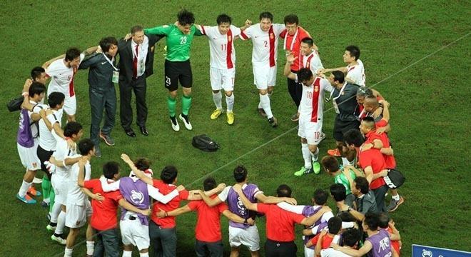 国足亚洲杯梦幻开局,真的只是换了套球衣这么简单么?