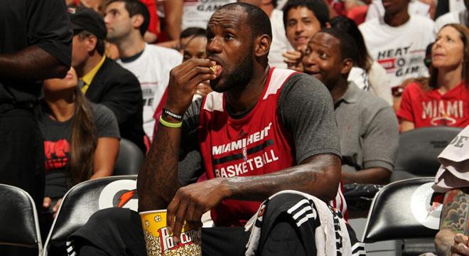 """NBA明星也烦恼减肥?—詹姆斯的""""低卡饮食法"""""""