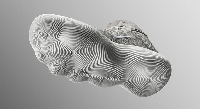一周新鲜装备资讯 | 阿斯顿马丁竟然出跑鞋 耐克不服推新科技