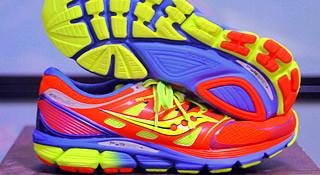 跑到狂热 Saucony Zealot ISO 跑鞋一览