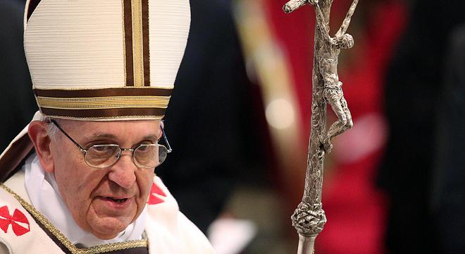 为了半马进2,78岁的罗马教皇开始了'亚索800'训练法…