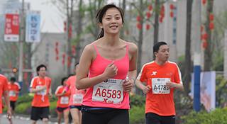 重庆   长江在左山川在右 奔跑在赛道