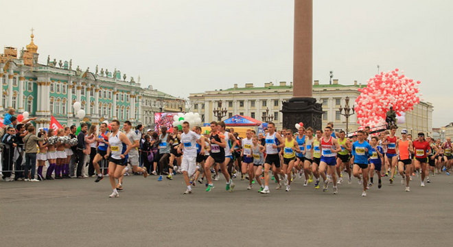 圣彼得堡白夜马拉松