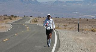 人物 | 关家良一  超马王座上的平民跑者