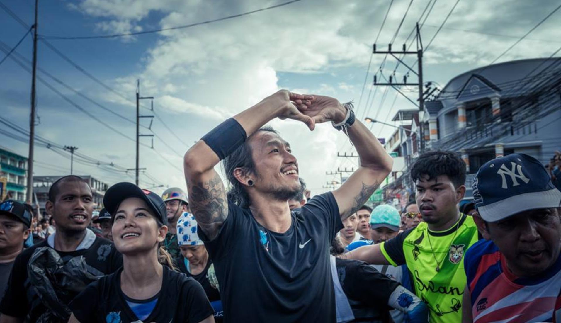 超燃!55天、2215公里、募捐超4600万美金!跑步:不止终点