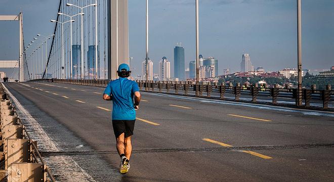 孤獨跑者翔館︰為什麼你總是一個人在跑步?