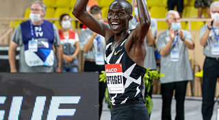 人物 | 新5000米世界纪录保持者切普特盖:纪录收割机,跑坛新天王