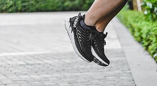 跑鞋 | 绝对出色与相对平庸 HOKA ONE ONE Clifton 4深度评测