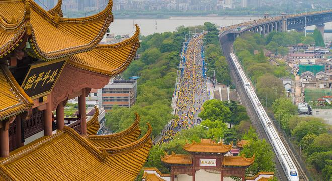 2019武汉马拉松 | 风雨兼程 热情依旧