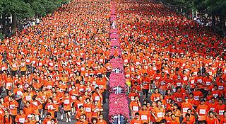 视频 | 兰州马拉松 42.195公里的奔涌
