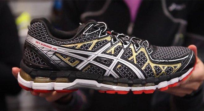 为什么KAYANO 20卖得比GT 2000贵—ASICS两款最畅销跑鞋对比