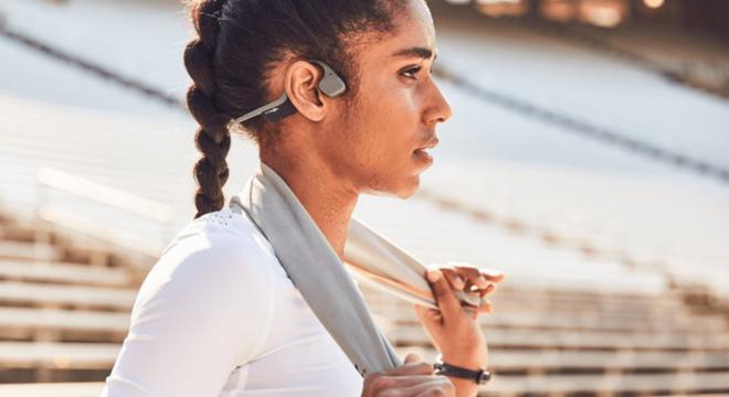 跑步时到底要不要戴耳机