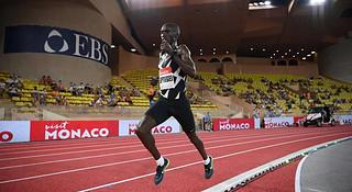 切普特盖打破5000米世界纪录 崇礼168越野赛顺利开跑 | 跑圈十件事