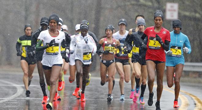 气象因素中谁对马拉松成绩的影响最大?