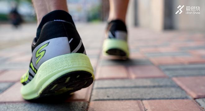 跑鞋 | 隐藏的尖峰时刻 Skechers GOrun Razor 3 Hyper