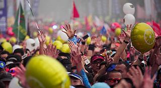 2018重庆马拉松 | 火锅味的赛道抵不过三万人的热情