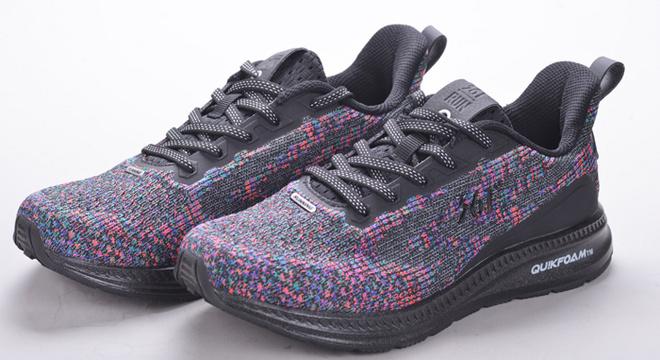 """361钛速跑鞋 以液态稀有金属""""钛""""为灵感,诠释速度与热爱"""