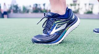 跑鞋   BROOKS GLYCERIN 15 就是要舒服