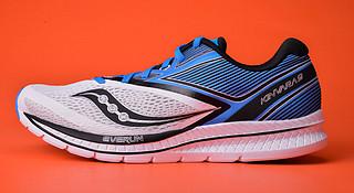 开箱 | Saucony Kinvara 9 极度轻量的训练跑鞋