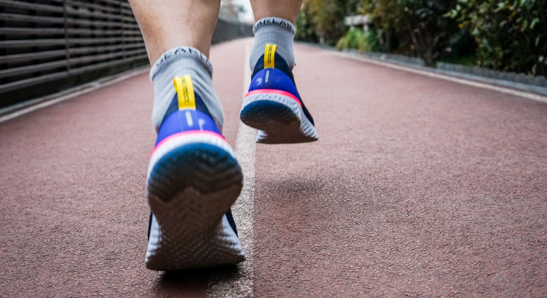 跑鞋 | 弹出新未来 Nike Epic React Flyknit跑鞋评测