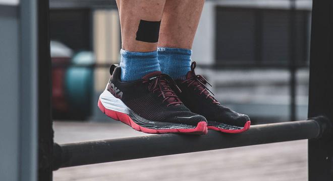 跑鞋 | HOKA ONE ONE MACH评测 速度训练跑鞋也可以有出色缓冲