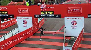 深度   伦敦马拉松 纯女子马拉松世界纪录被打破 贝克勒再次错失冠军