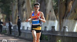 人物 | 昆明马拉松国内冠军杨定宏:田径老兵的最后拼搏