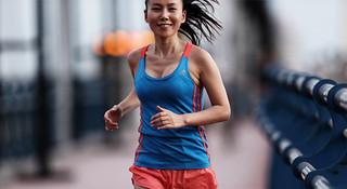 用自信的笑容代言跑步—东方之猪Sunflower